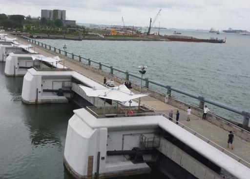 external-facade-marina-barrage